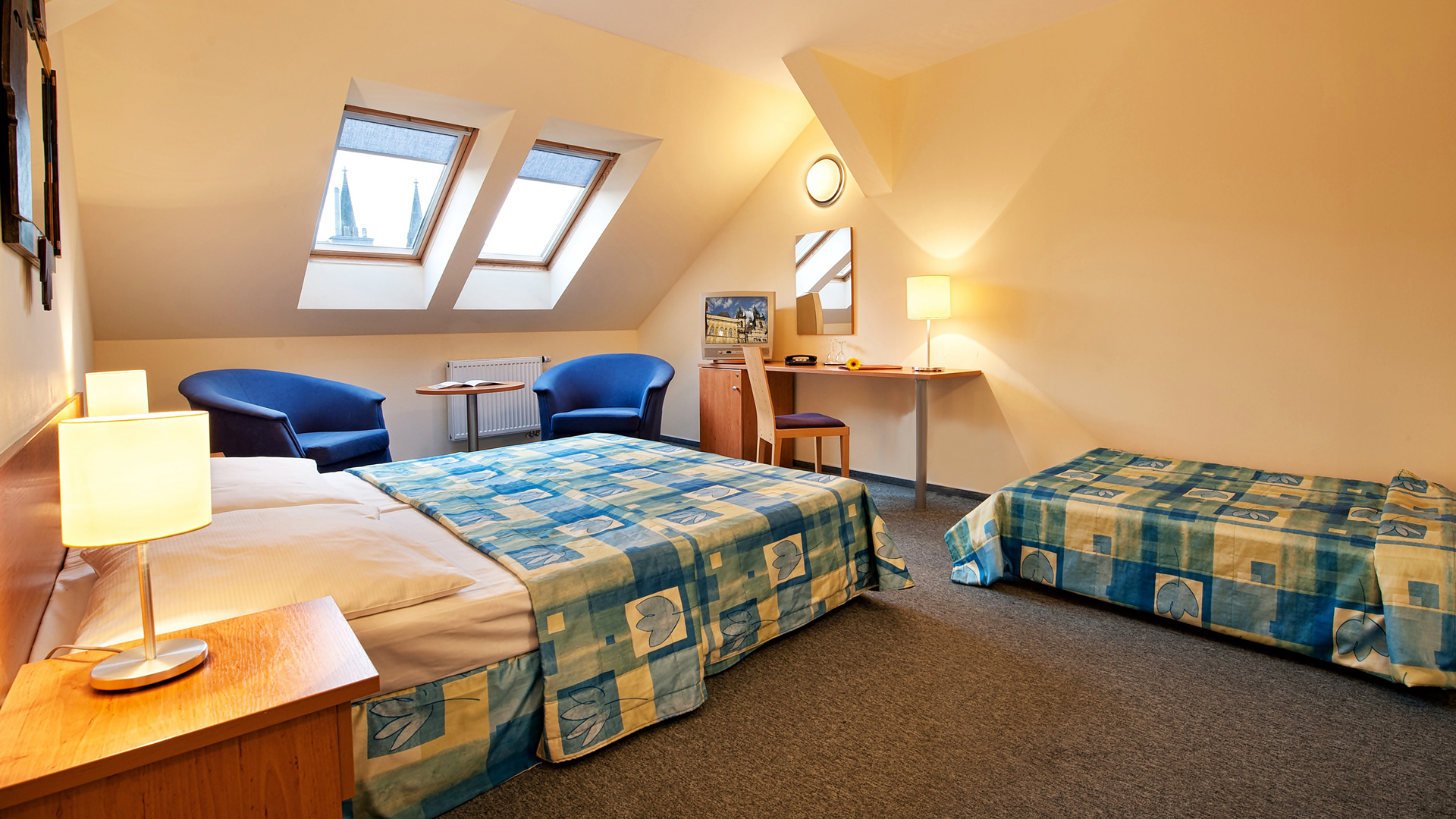 38 quiet and cosy rooms